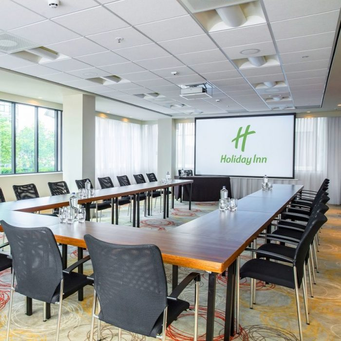Holiday Inn Arena Towers zaal_02