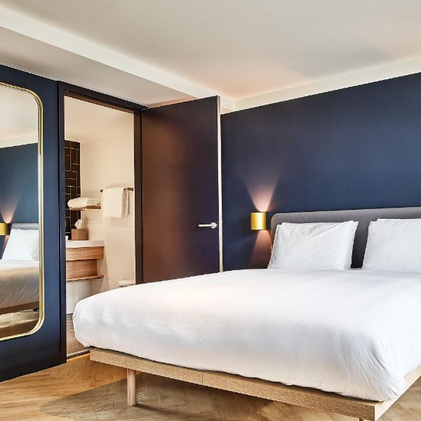 Staybirdge Suite The Hague - Parliament Deluxe Room